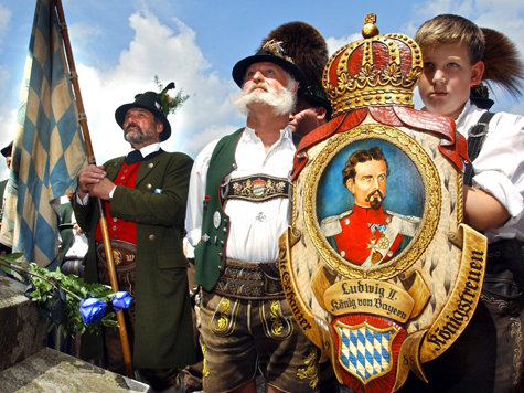 www.merkur-online.de/bilder/2008/11/20/21112/1631146897-bayerns-koenigstreue-sind-aufruhr-grund-erschienenes-buch-eine-infame-majestaetsbeleidigung-ist.9.jpg
