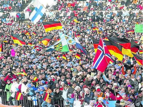 http://www.merkur-online.de/bilder/2009/01/01/29341/1830809426-fahnenmeer-olympiaskistadion-26000-fans-feuerten-skispringer.9.jpg