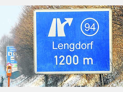 114171311-solls-aussehen-a94-ausfahrt-soll-nach-lengdorf-weisen-gemeinde-isen-wehrt-sich-dagegen-montage.9.jpg