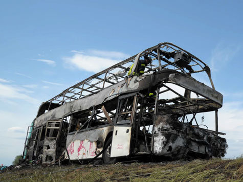 636205809-busbrand-autobahn-schueler.9.j