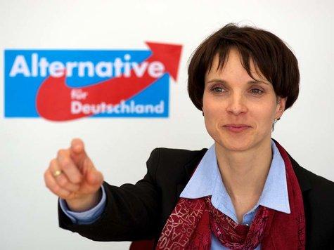 744340961-frauke...Frauke Petry