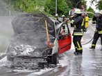 Auto in Fürstenfeldbruck in Flammen