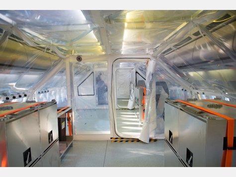 835560153-ebola-evakuierungsflugzeug-rob
